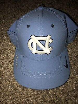 buy popular 2c2b4 f56e2 North Carolina Tar Heels Nike Dri Fit Legacy 99 Sideline Flex Fit Hat Cap M