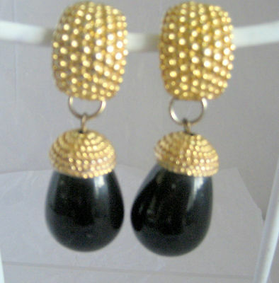 Black Onyx Stone Color And Gold Tone Earrings Clip Ons Vintage Long Dangle
