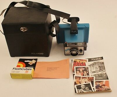 Poloroid Zip - Case Flashbulbs Booklets  great set Camera Untested