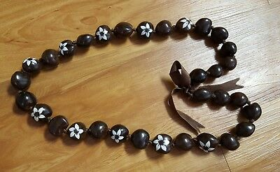 Beautiful Hawaiian White Star Flower Brown Kukui Nut Lei