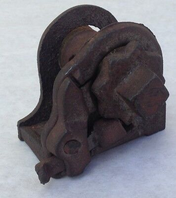Antique Small hand WINCH pulley block & tackle hardware primitive mechanical