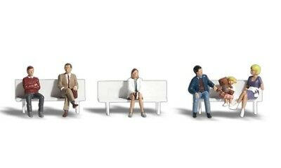 NEW Woodland N Scale Bus Stop People Train Figures A2134