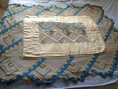 Beautiful Vintage Handmade Filet Tablecloth