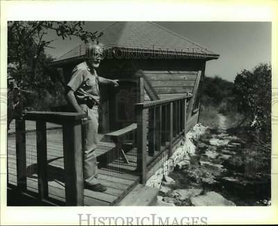 1992 Press Photo Phil Evett, Trinity University Retired Professor - saa14147