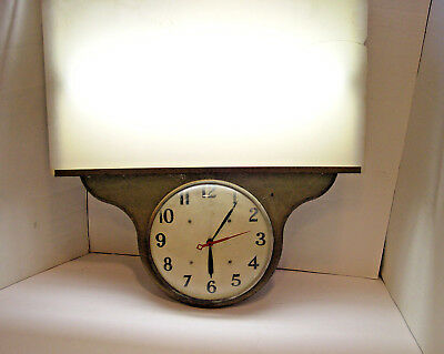 VINTAGE ORIGINAL 1940-50s LIGHT UP TIN ADVERTISING SIGN CLOCK KEEPS PERFECT TIME