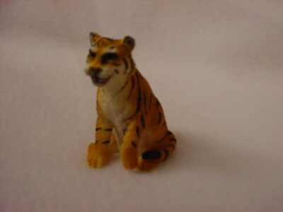 BENGAL TIGER cat TiNY FIGURINE Resin HAND PAINTED MINIATURE Sm MINI Zoo ANIMAL