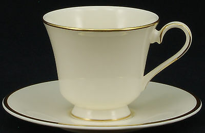 SET of 4 - Royal Doulton Heather Gold Trim H5089 Cup and Saucer