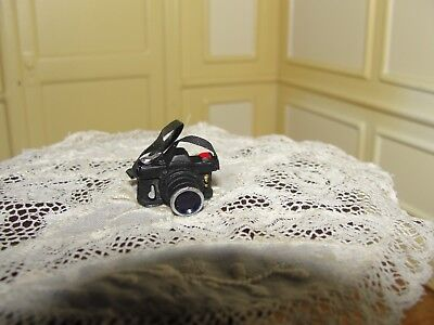 Dollhouse Miniature Say Cheese Miniature Camera NRFP