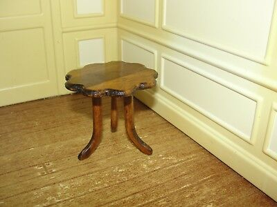 Dollhouse Miniature Scalloped Edge Wood Table