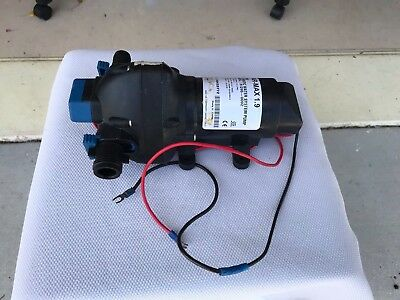 Marine-Boating-Sailing-Jabsco Par Max 1.9 Automatic Water System Pump 31295 0092
