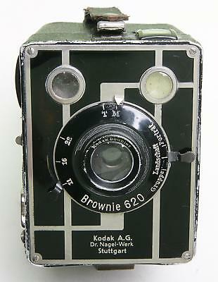 German Kodak 'brownie 620' Box Camera With Attractive Deco Face Plate