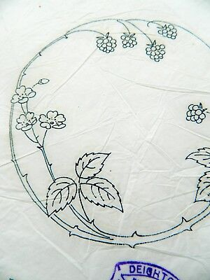 Circle Floral Design ~ Vintage Linen Embroidery Transfer Sewing Pattern 25