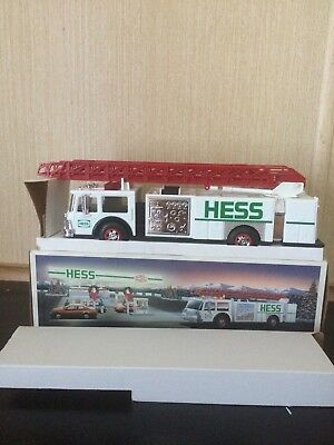 1989 Hess Toy Fire Truck Bank In New Condition