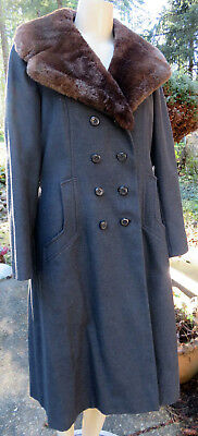 Vtg. Gray Wool Double Breasted Coat w/Fur Collar. Lorendale. Frederick & Nelson
