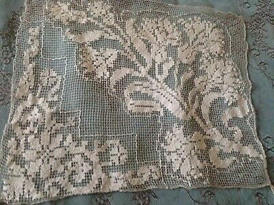Beautiful Vintage Handmade Filet Lace Doily