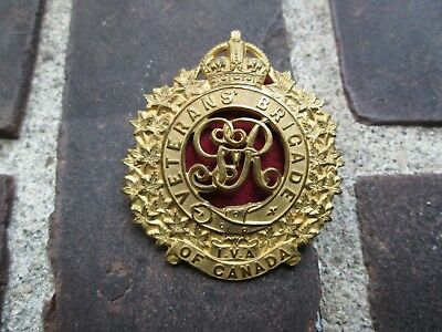 WWI Veteran's Brigade of Canada Gilt Cap Badge - Not Listed in Charlton