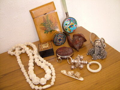 Good  job lot of vintage and antique collectables