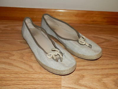 Ladies UGG Australia Canvas Casuals/Flats Size 9 REAL NICE L@@K!!
