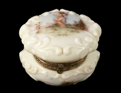 Antique Wave Crest Wavecrest Art Glass Hinged Box Jar Cherub Putti Decoration