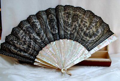 Antique Chantilly Lace Fan With Mop Sticks In Tiffany Box