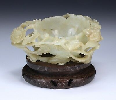 A Fine Chinese Antique White Nephrite Jade Brush Washer, Qing Dynasty