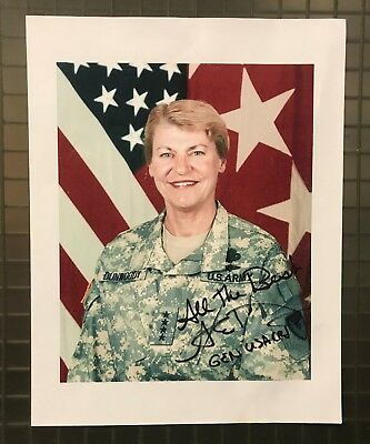 62039 General Ann Dunwoody Signed 8x10 Photo AUTO First Female 4-Star General