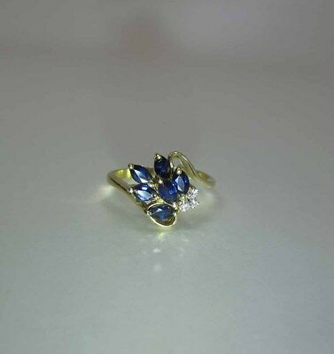 Pretty 18K Yellow Gold Natural Blue Sapphire And Diamond Ring
