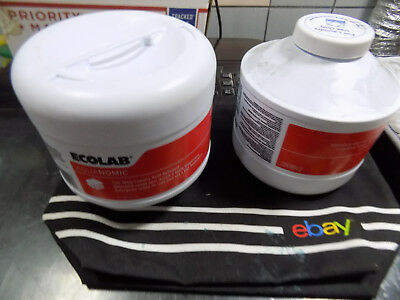 2, Ecolab Aquanomic Laundry Solid Detergent Low Temp 6100307 2-9lb Canisters