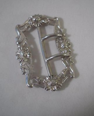An Antique Solid Silver Belt Buckle w. Cast Decoration : London 1903