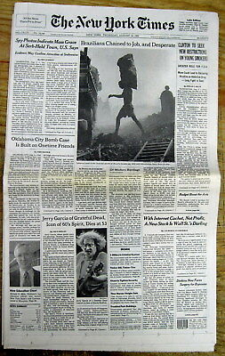 1995 NY Times newspaper DEATH of JERRY GARCIA leader of GRATEFUL DEAD rock band