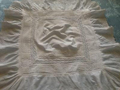 Beautiful Vintage Tablecloth