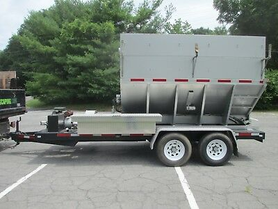 2012 Mulch King  Mulch / Finn Bark Blower and Leaf Vacuum with ONLY 32 Hours!