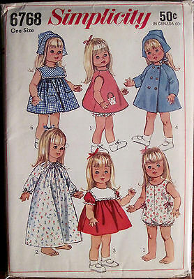 """Vintage UNCUT 1966 Simplicity 18"""" Doll Clothes Pattern 6 Outfits"""