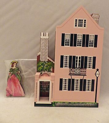 Shelia's Collectibles - 25 Meeting Street with Pin - 1997 Collector pc. -# SOC97