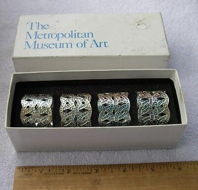 Box Set 4 METROPOLITAN MUSEUM OF ART 1992 CELTIC KNOT Form Plated NAPKIN RINGS