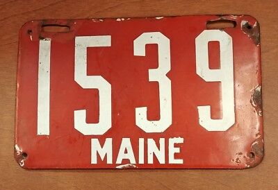 1907 First Issue Maine ME Red Porcelain License Plate 1905-1911