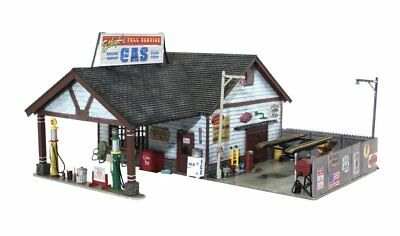 Woodland Scenics BR4935, N Scale, Built & Ready, Ethyl's Gas & Service Station