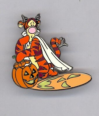 Disney Auctions Halloween Winnie the Pooh Scared Tigger by Pumpkin Shadow LE Pin