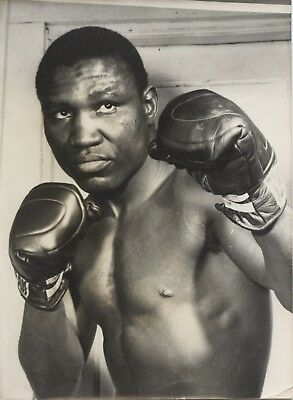 DICK TIGER 8x6in BOXING original press photo dated 15th May 1968
