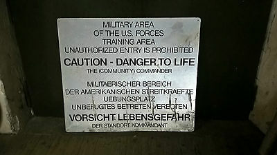 US Army Gelände Schild, MILITARY AREA, US. FORCES, COUTION DANGER, COMMANDER USA