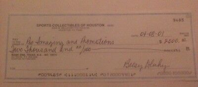 Signed cancelled check to Cowboys HOFer Bob Lilly -scarce collection item