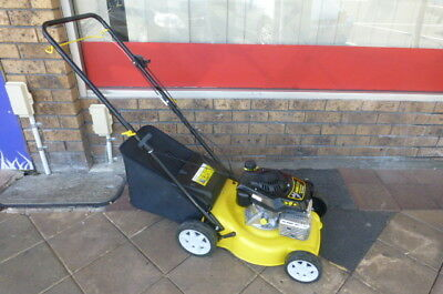 YARD KING LAWN MOWER 4 STROKE 4hp SELF PROPELLED ( DEMO )