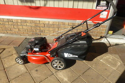 "Mower Victa 4 Stroke Huge 19"" Cut 5HP Briggs & Stratton Demo"