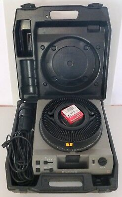 Kodak Ektagraphic III AMT Slide Projector With Accessories In Tiffen Hard Case