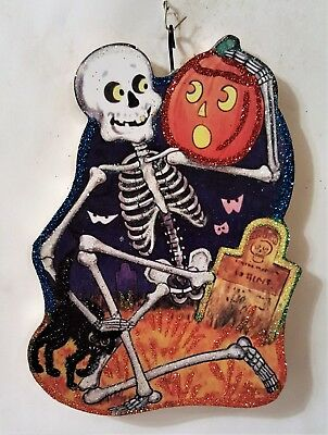 SKELETON w/ JOL, BLACK CAT, GRAVE  * Glittered WOOD HALLOWEEN ORNAMENT * Vtg Img