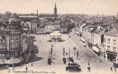 Cpa  Tourcoing   La Grande Place Animee   32