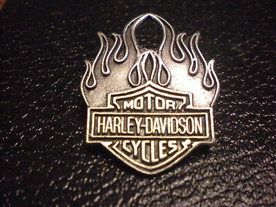 Harley Davidson Old School Classic   Pin *** Flame  With  Harley Shield ***