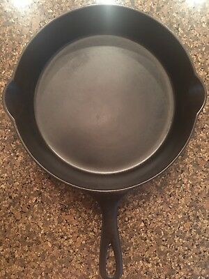 ERIE Griswold #8 Cast Iron Skillet, Immaculate Condition
