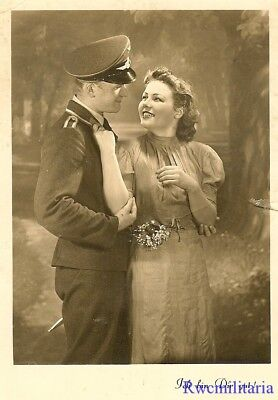 Port. Photo: LOVING Studio Pic Luftwaffe Soldier in Embrace w/ His Girl!!!
