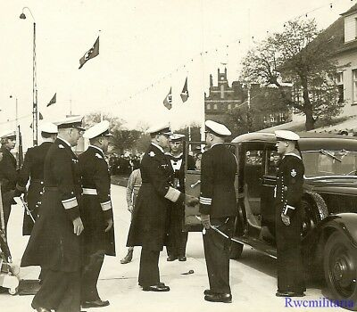 Port. Photo: RARE Kriegsmarine Admiral ERICH RAEDER w/ Officers by Staff Car!!!